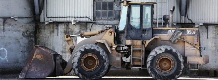 construction-tractor-excavator-site